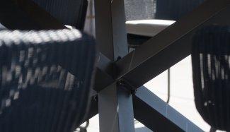 4-seasons-outdoor-avila-diningset-black-sfeerfoto-7-1582320879-1582321198.jpg