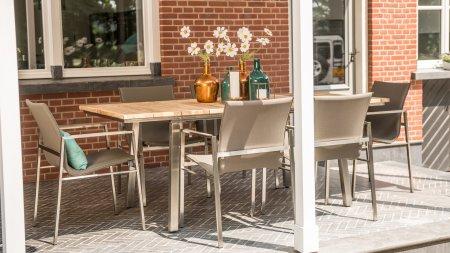 4 seasons outdoor resort dining
