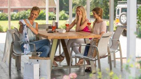 4 seasons outdoor summit dining